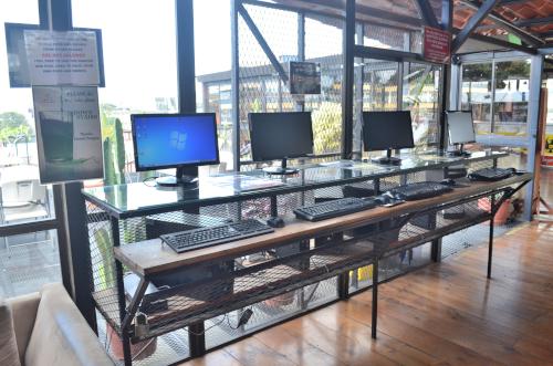 ホスタルパンゲアのパソコンコーナー