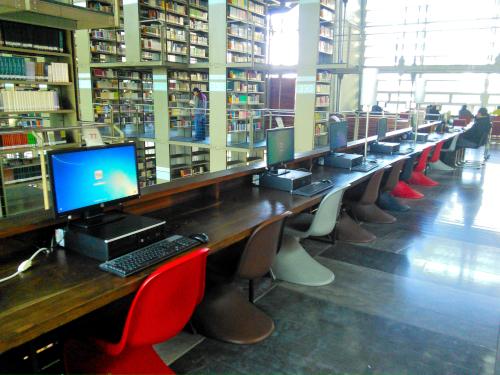 メキシコシティの世界の図書館15のパソコンコーナー