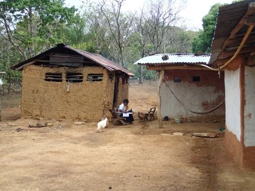 無電化集落の民家