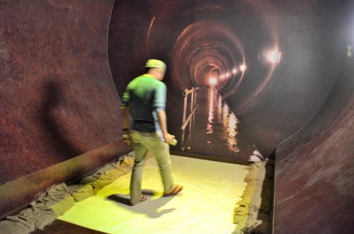 パナマ運河の地下排水路の展示