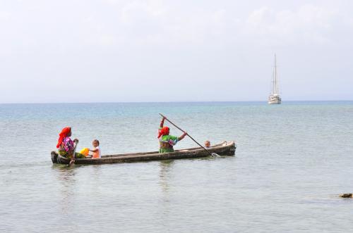 クナ族の手漕ぎ舟
