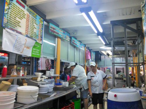 サンホセの中央市場のお店