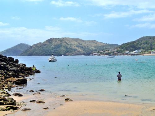パナマ湾に浮かぶダボガ島