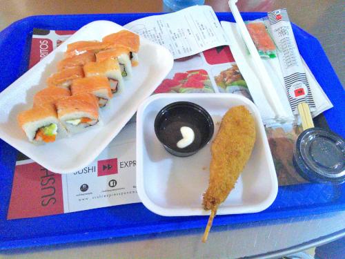 パナマの巻き寿司チェーン店の食事