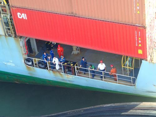 パナマ運河を通る船の日本人乗組員