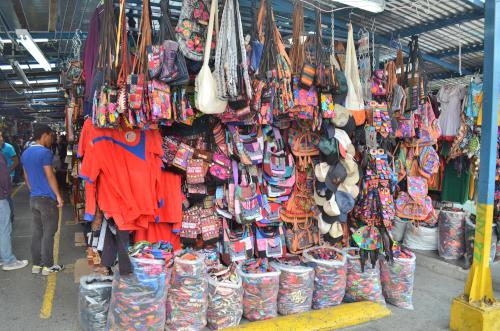 サンホセの民芸品市場