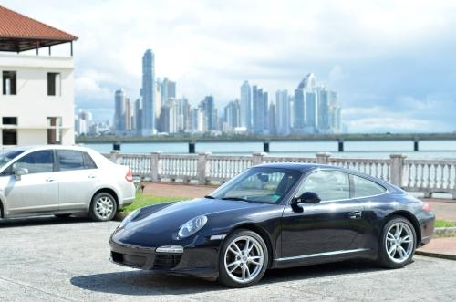 高級車とパナマ新市街