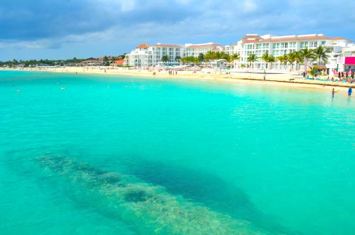 綺麗なプラヤデルカルメンの海