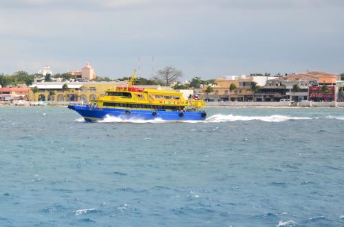 コスメル島の船
