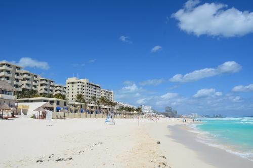 ホテルとビーチ