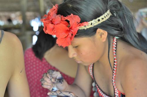 ハグアというエンベラ族の伝統的なタトゥー