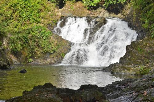 エンベラ族が使う滝