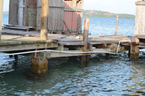 海上に浮かぶホテル