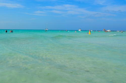 イスラムヘーレス島のビーチ