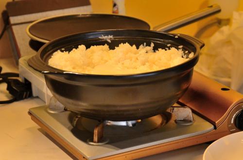 土鍋で炊かれたご飯