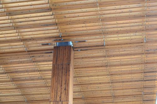 長野駅の天井