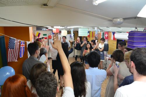 カイ外国語スクールのサマーパーティ