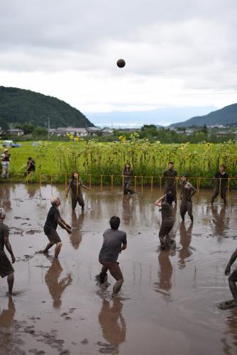 泥んこバレー大会