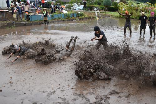 負けたら泥へダイブ