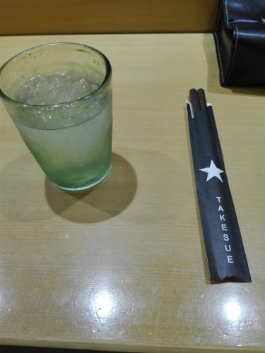 竹末東京の箸は黒い