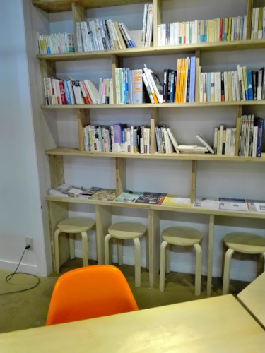 クリークスの本棚