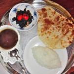 長野県駒ヶ根市にある青年海外協力隊OBが経営するカレー屋アンシャンテで本格バングラデシュカレーを食べた