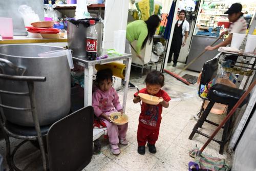 サンフアン市場の子供