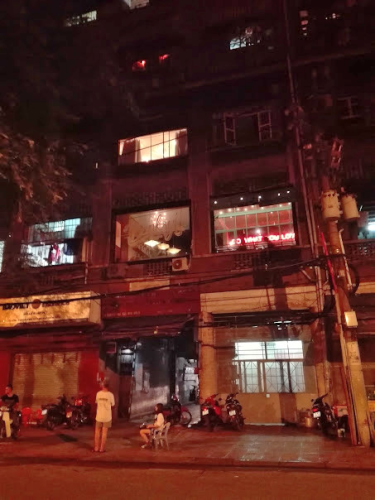 ベトナムの雑居ビル