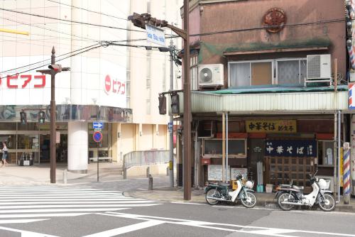 ピアゴの前にある新京亭