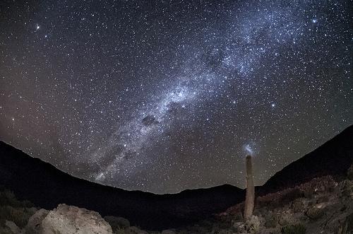 【ウユニ塩湖の夜】めったに見られない「宇宙」と呼ばれる9枚