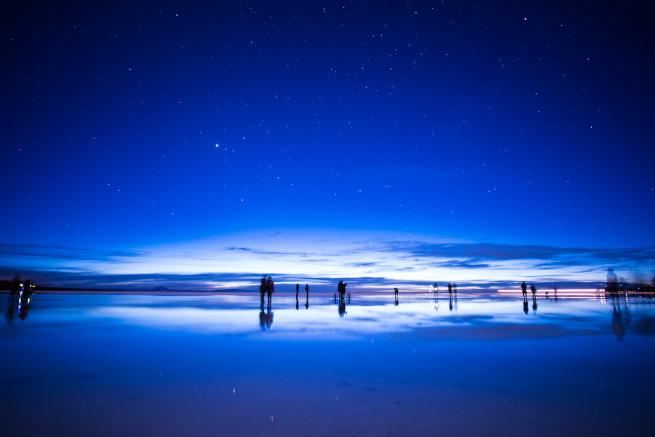 ウユニ塩湖の初日の出