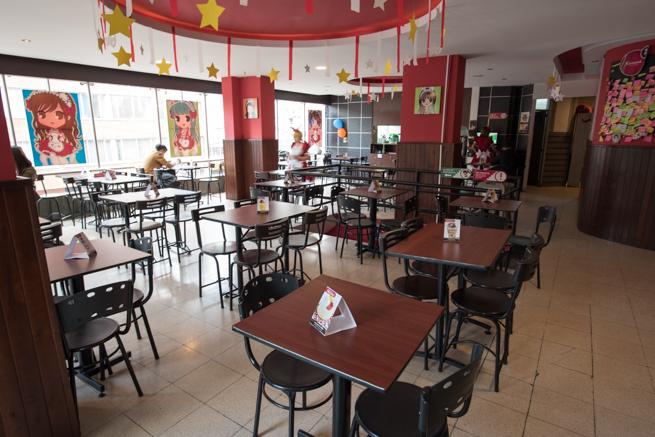 コロンビアのボゴタのメイドカフェの内装