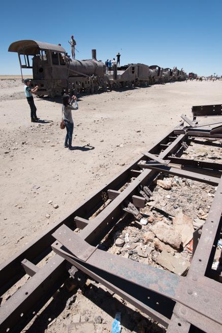 列車の墓場のゴミ