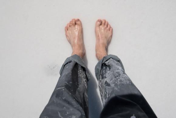 ウユニ塩湖で裸足