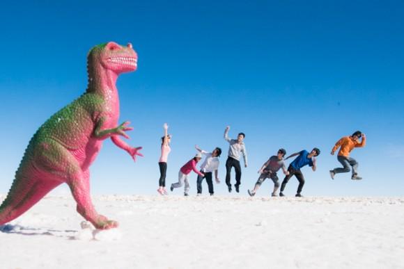 恐竜に襲われるトリック写真