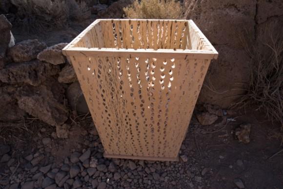 サボテンを使ったゴミ箱