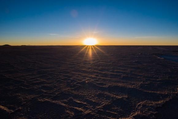 ウユニ塩湖の夕陽