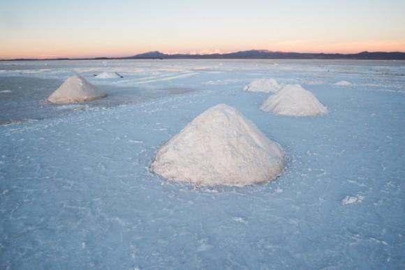 ウユニ塩湖の採塩場