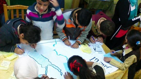 エジプトの子供とワークショップ