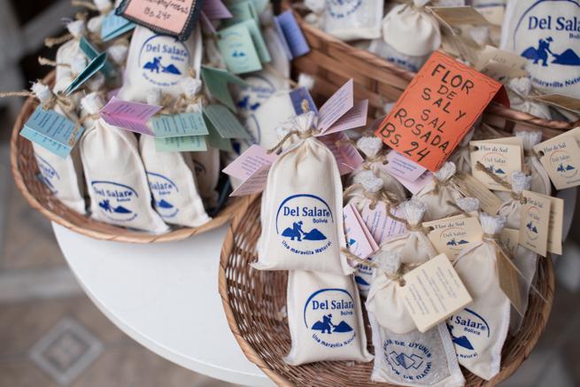 ボリビアのウユニ塩湖のお土産ランキングベスト8!おすすめはチョコレートと塩