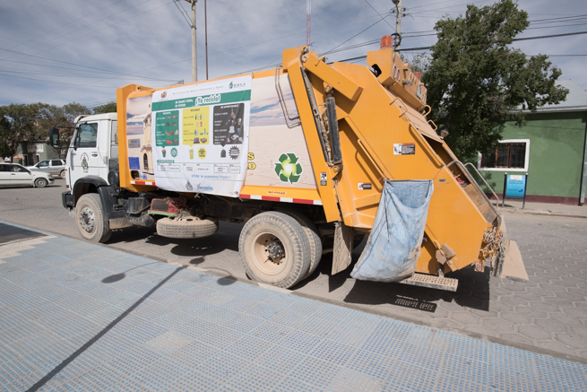 ウユニ市のゴミ回収車