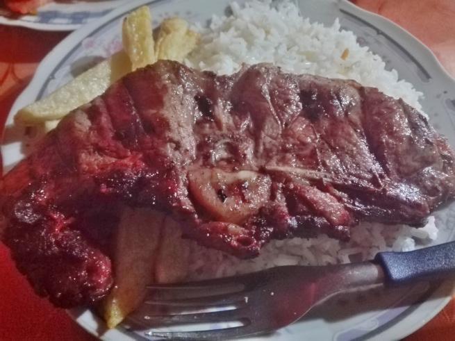 リャマ肉ステーキ