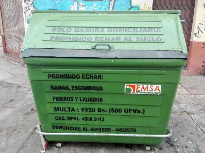 コチャバンバ市のゴミ箱