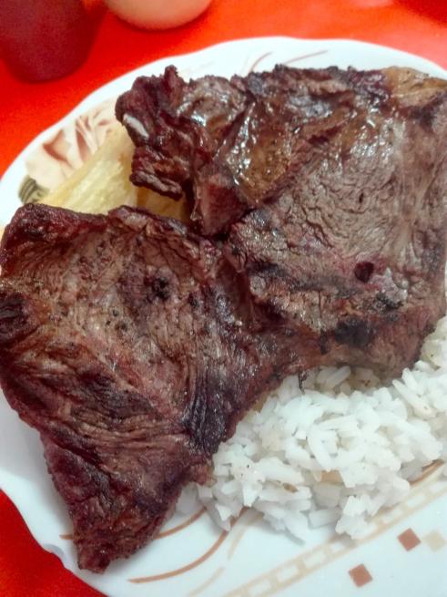 リャマ肉バーベキュー