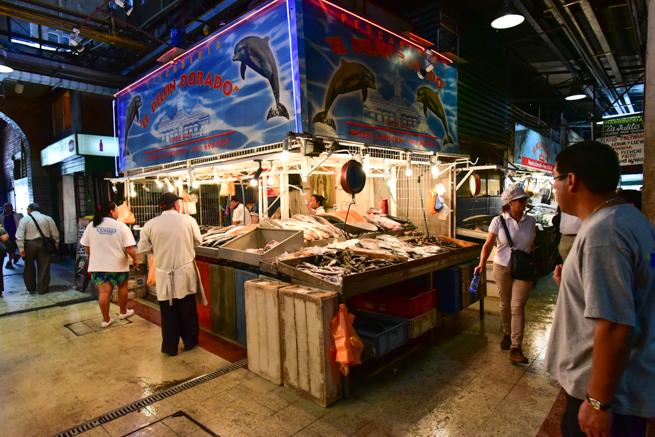 サンチアゴの魚市場