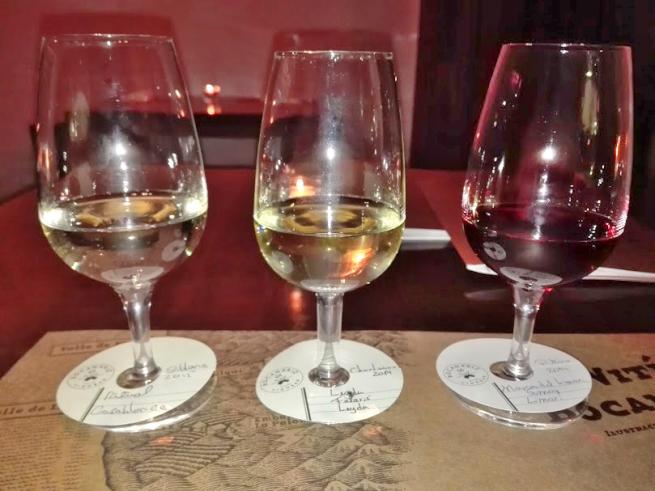 ワインの飲み比べ