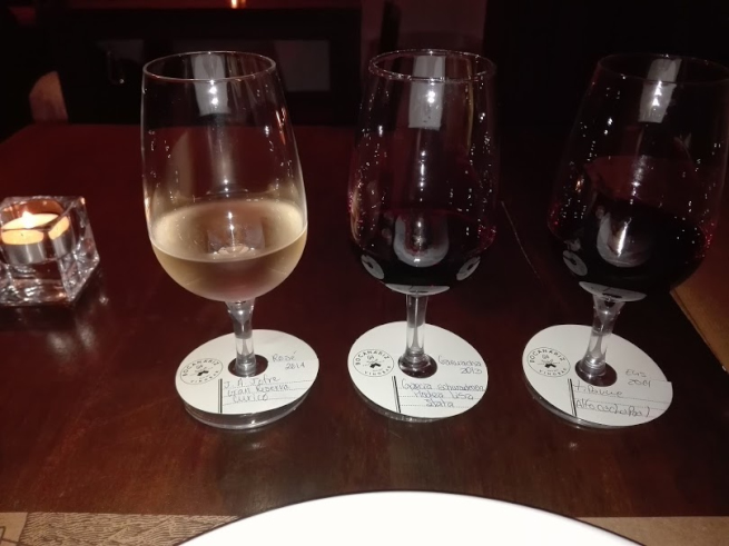サンチアゴのワインバーBocanárizで飲み比べ