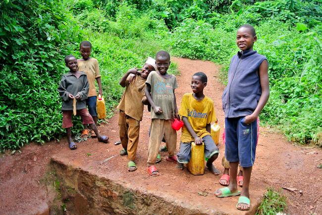 ルワンダの少年