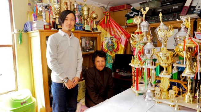ウユニ市の校長と青年海外協力隊OB