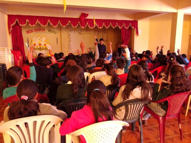 ウユニの学校で行った環境教育ワークショップ